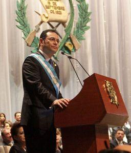 Toma_de_posesión_de_Presidente_guatemalteco_(24277870982)_(cropped)
