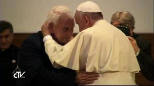 el Papa saluda a Ernst Simoni