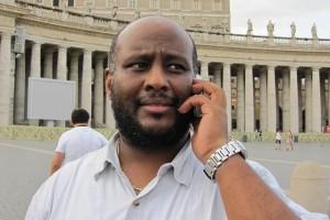 el p. Mussie denuncia la falta de voluntad política