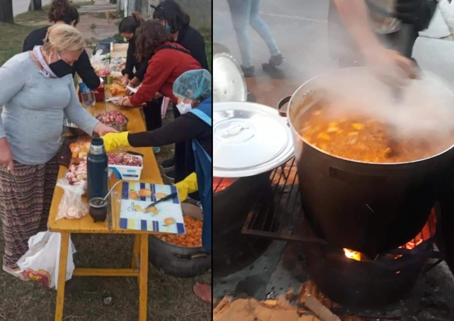composicion de dos imagenes, a la izquierda una mesa con caballetes y 6 voluntarias trabajando con los alimentos. estan en la vereda. a la derecha, primer plano de una gran olla sobre un tacho con fuego de leña. alguien revuelve entre vapor con una gran cuchara. la comida llega casi al borde, y tiene muy buen aspecto.